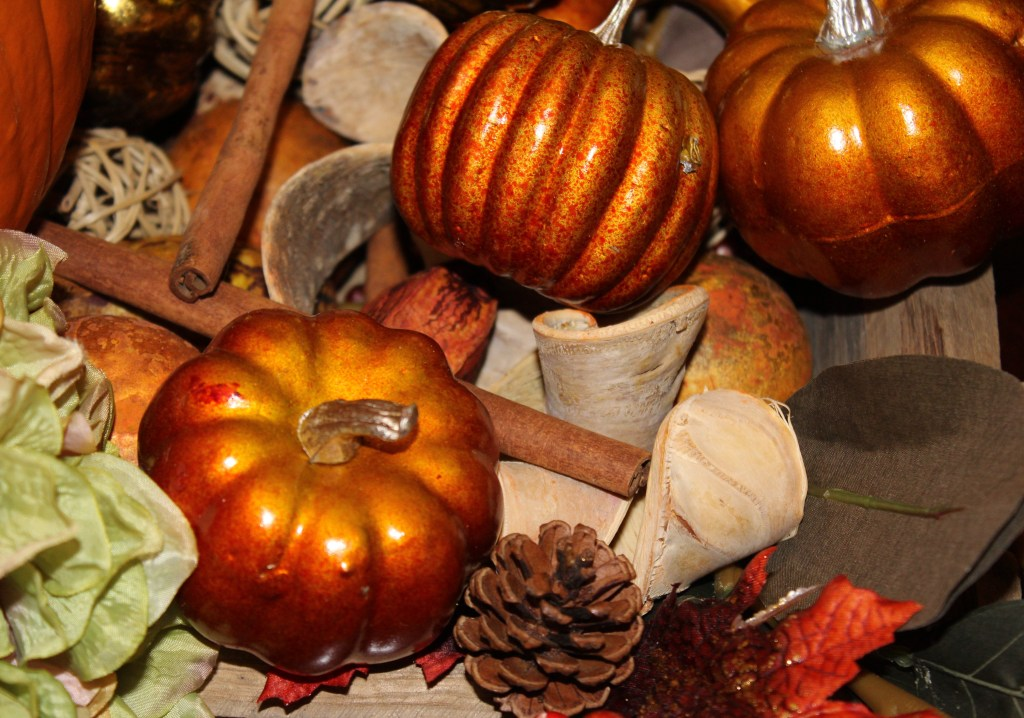 Autumn table centerpiece small pumpkins