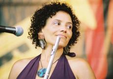 Singer Nicole Mitchell Net Worth