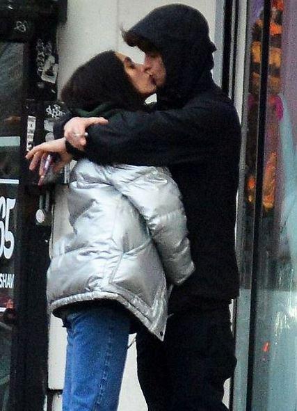 Lourdes spotted kissing her mystery boyfriend