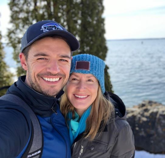 Joshua Snyder and Angela Kinsey