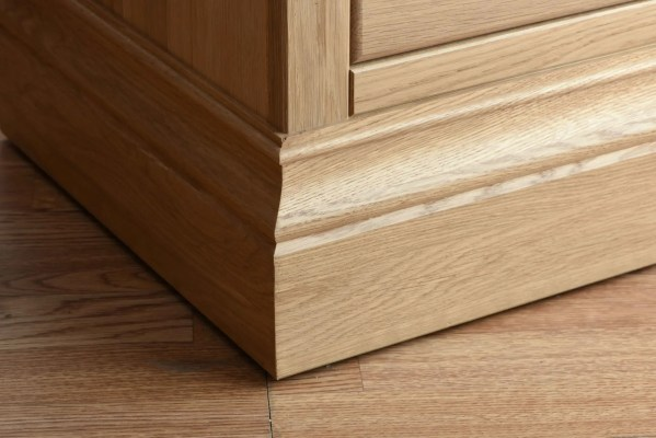 chunky and wide moulded solid oak plinth detail for the lundy painted range