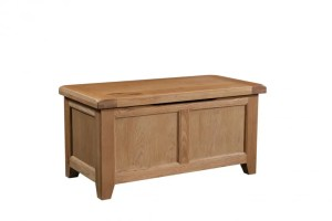 Somerset Oak Blanket Box lift up lid. Chunky contemporary waxed oak. chunky top, panel front and lift up lid SOM021