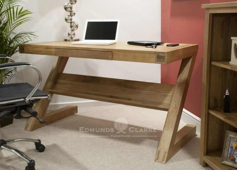 Designer solid oak Z desk with drawer & shelf is from our Bury oak range, has a pull out drawer and long shelf below at the back of desk