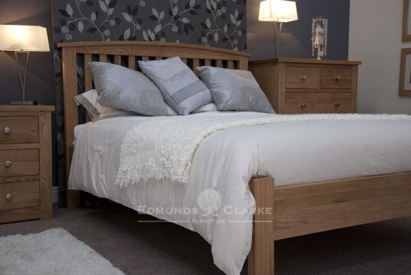 Solid oak 3ft single size arched bed. vertical slats on headboard with slight curve capping