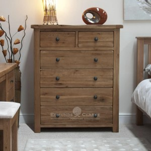 Lavenham solid rustic oak 6 drawer chest. rustic knobs 2 small drawers and 4 long drawers under.