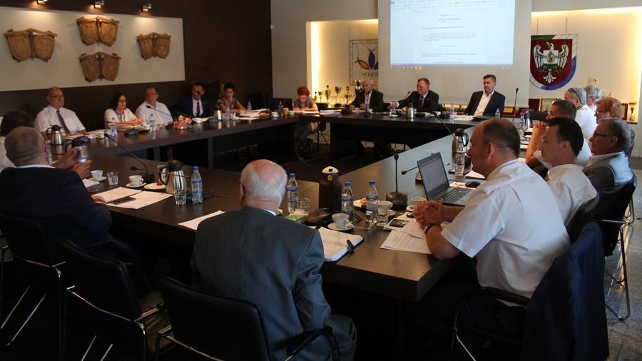 Projekt i dyskusja nad budżetem Powiatu Wolsztyńskiego na 2017 rok.