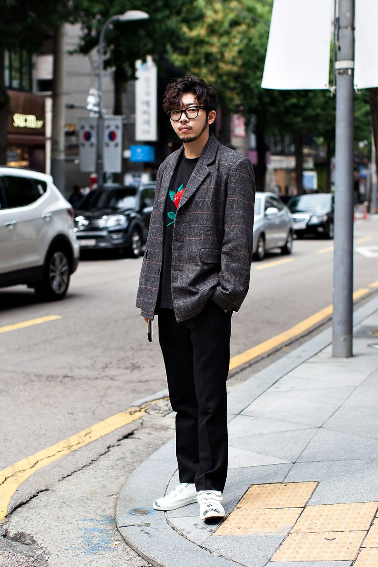 Cho Sungjun, Street Fashion 2017 in Seoul.jpg
