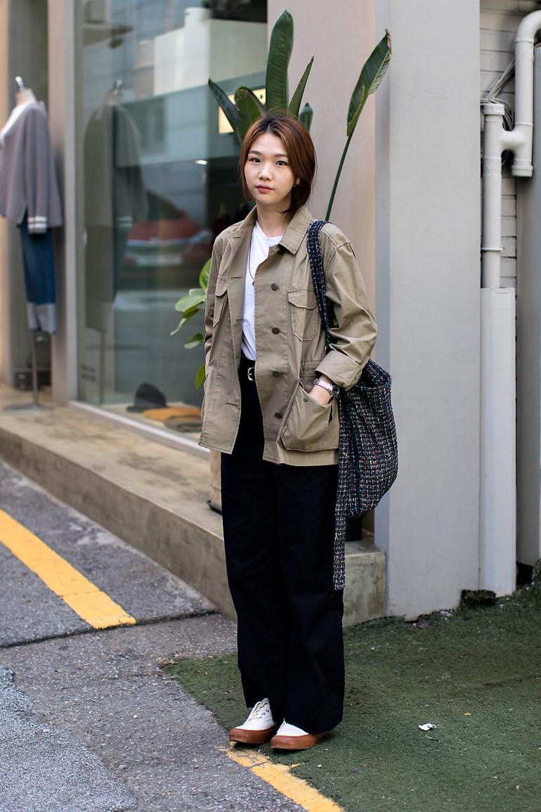 Park Dasom, Street Fashion 2017 in Seoul.jpg