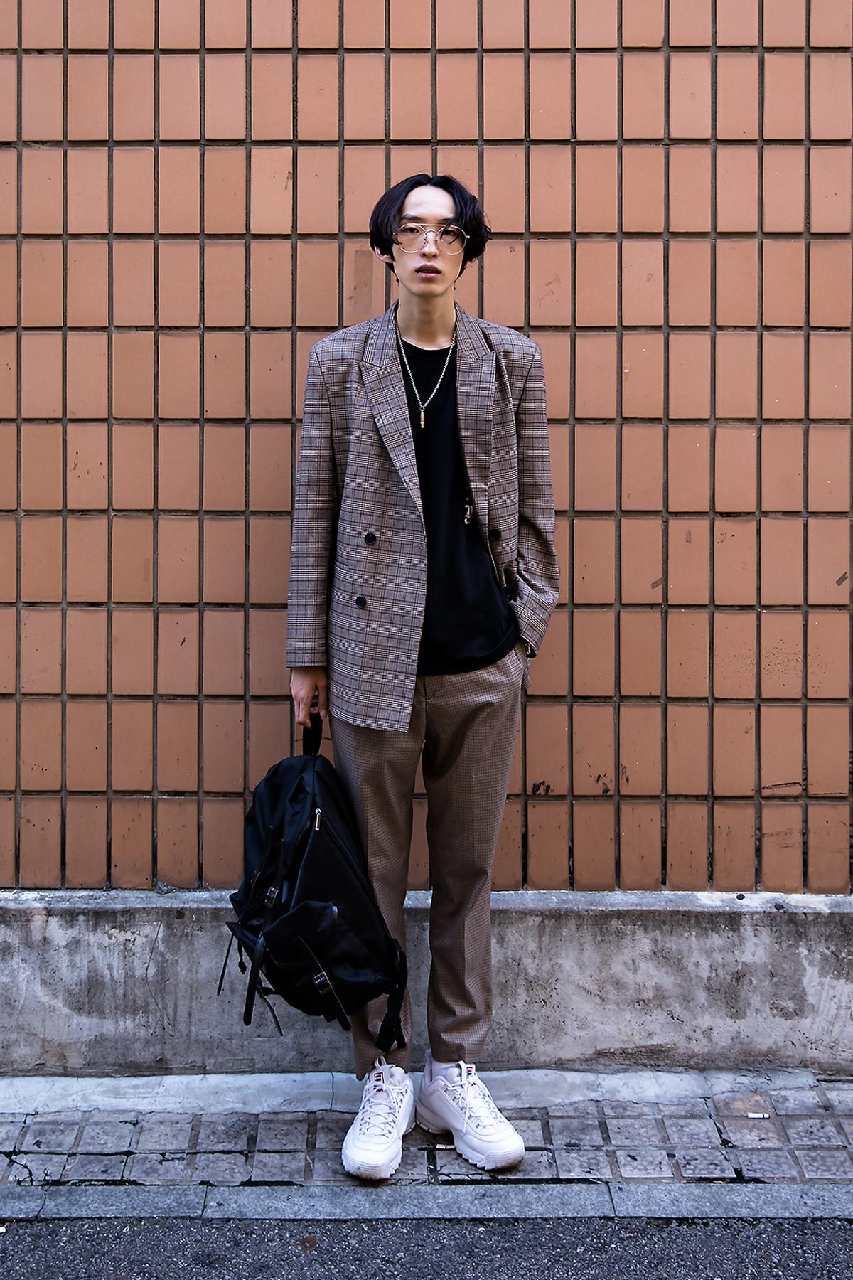 Sim Kwangyong, Street Fashion 2017 in Seoul.jpg