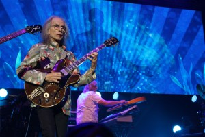 Yes' Steve Howe and Geoff Downe spiraling into space
