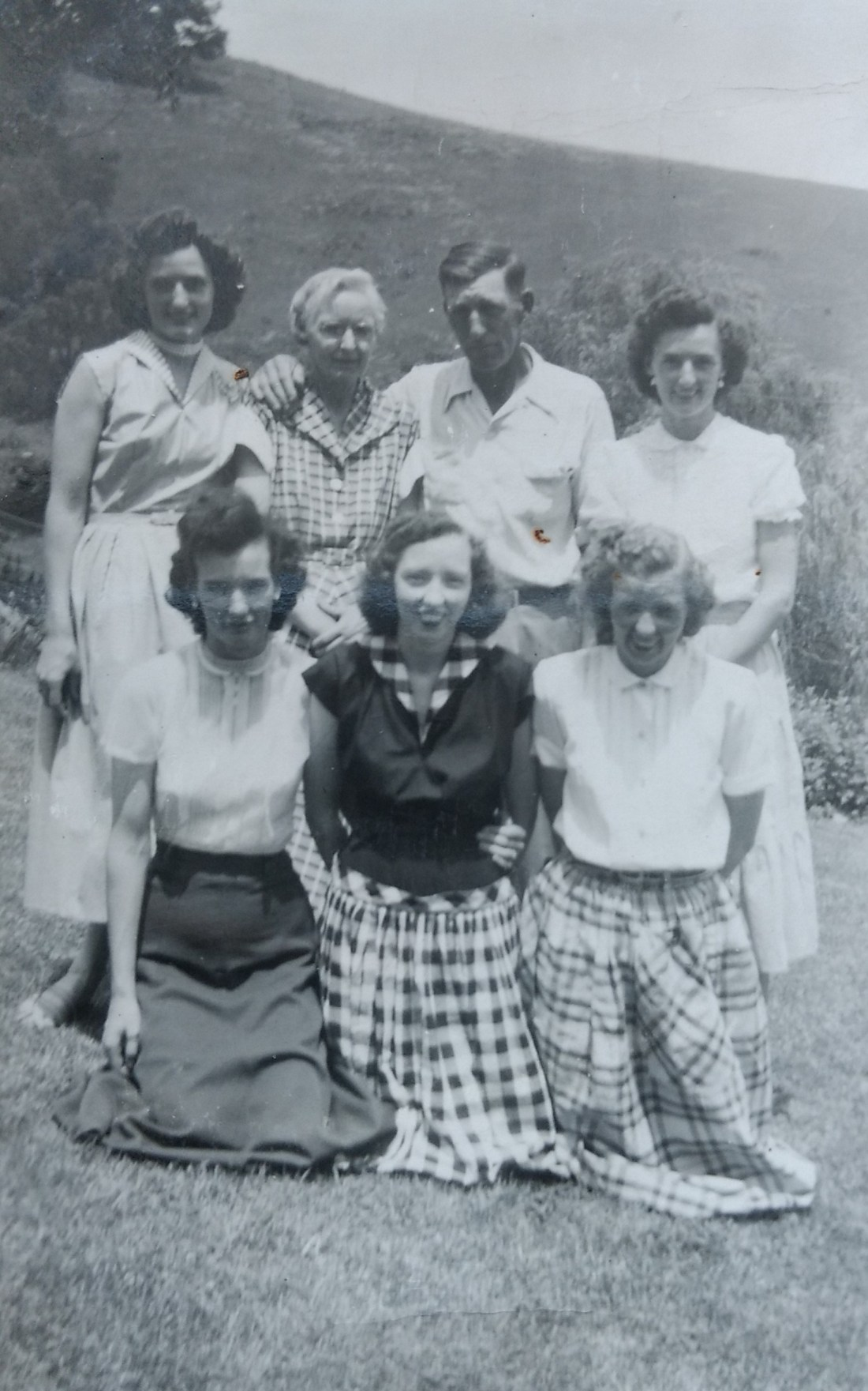 Back: Christine, Momma Carra, Daddy Pud, Claudine Front: Betty, Helen, Rachel