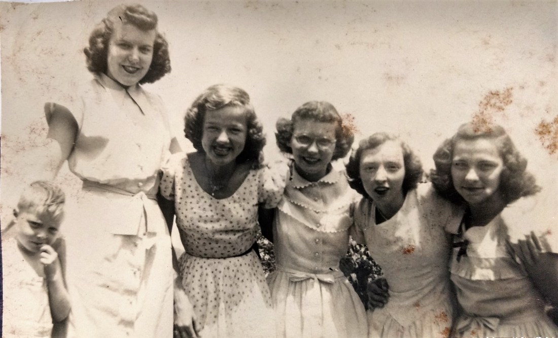 Rachel's son Jim, Mildred Garman, Louise Shelor, Evelyn Garman, Hilda Taylor, Kathleen Taylor