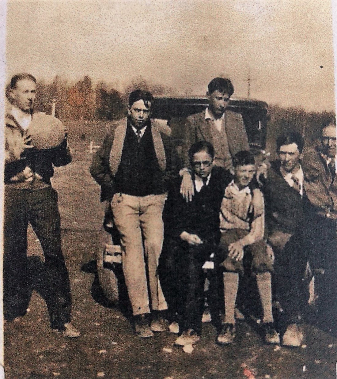Bill Starkey, Carridon Grisso, Earl Starkey, Ronald Thomas, Loren Thomas, Roy Lemon, Donald Custer1929-1930