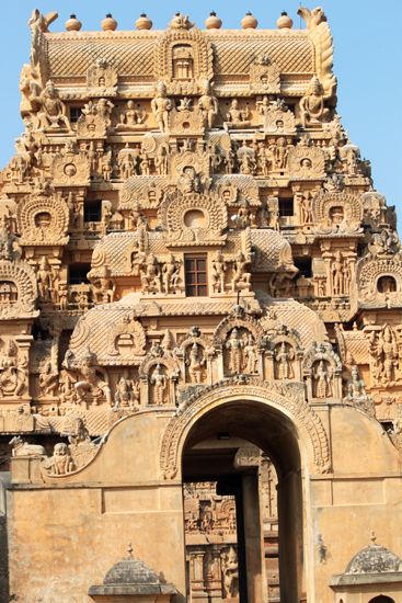 A gopuram of the Brihadeswarer Temple.