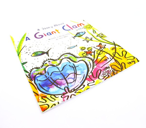 A Giant Clam Illustration Story Book 03