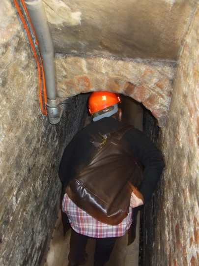 treasurers-house-cellar-hard-hats-required-to-get-to-the-ghostly-wall.  see roman soldiers