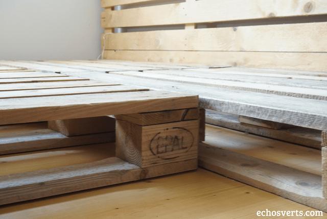 DIY Lit Double Et Tables De Chevet Intégrées En Palettes - Lit double palette