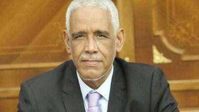 صورة فضيحة / وزير العدل الموريتاني يأمر بإطلاق سراج مسجون مدان بالإتجار بالمخدرات