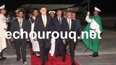 صورة رئيس الوزراء الليبي يصل نواكشوط للمشاركة في القمة العربية