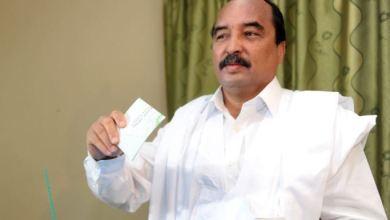 صورة ولد عبد العزيز يؤكد أنه لن يخرق الدستور ويشير إلى إحتمال ترشحه لرئاسيات 2024