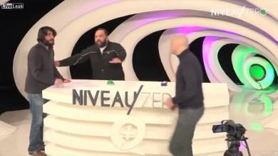 """صورة كاتب ومفكر فرنسي يضرب زميله على الهواء أثناء مهاجمته للعرب """"فيديو"""""""