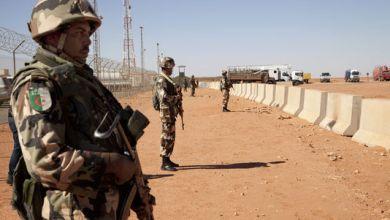 صورة الجزائر تعلن حالة الطوارئ على حدودها مع تونس