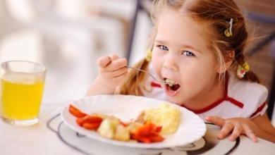 صورة تعرفي على مواصفات وجبة الإفطار المثالية للطفل