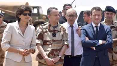 صورة الرئيس الفرنسي يحد من نفوذ الجزائر في مالي