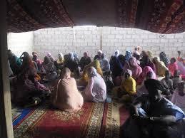 صورة نواكشوط: نساء توجنين يصرخن فخامة الرئيس نريد أن نتنفس