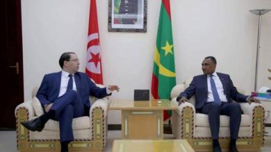 صورة فضيحة : رئيس الحكومة التونسية الموجود حاليا في نواكشوط يعين أمس رجل أعمال يهودي وزيرا للسياحة