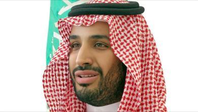 صورة الرئيس الموريتاني وأعضاء الحكومة يستقبلون ولي العهد السعودي محمد بن سلمان