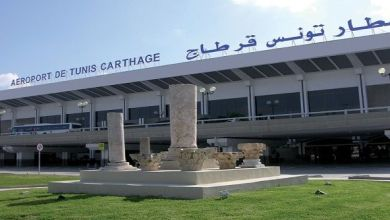 صورة تعرض نائب برلماني للسرقة في مطار تونس الدولي