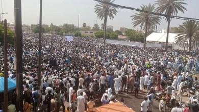 صورة السنغال : الآلاف يخرجون لنصرة النبي محمد صلى الله عليه وسلم
