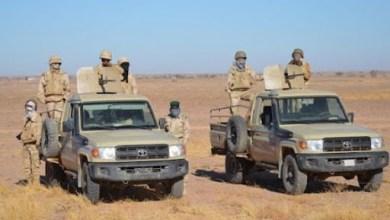 صورة الجيش الموريتاني : أفراد الدورية ردو على الجيش المغربي قبل أن يتم التعارف