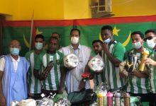 صورة غينيا بيساو : القنصل العام يشرف على توزيع تجهيزات رياضية لصالح فريق الجالية لكرة القدم