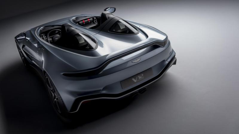 In James Bond style: Aston Martin V12 Speedster en DBX