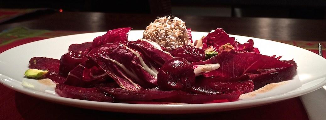 Rote-Bete-Carpaccio-Radicchio-Kirschen-Ziegenkaese