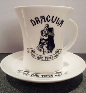 Teufelskuchen-Rezept-Dracula-Kaffeetasse-Siebenbuergen