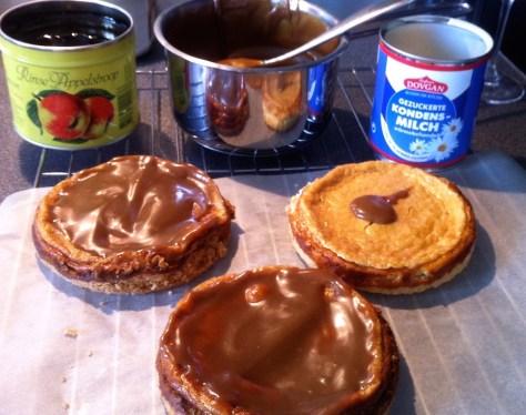 Kaesekuchen mit Karamell und Haselnuessen-IMG_1310