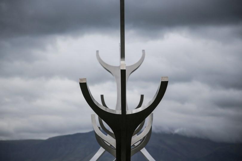 Reykjavik Harpa Hafen Statue