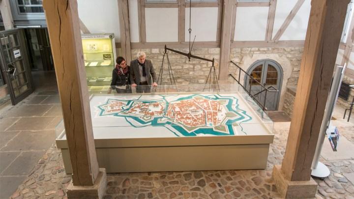 Stadtmodell im Rathaus