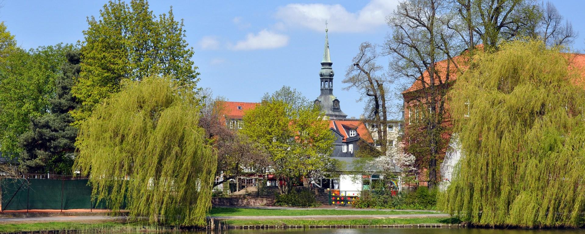 Stadtgraben mit Blick auf die Hauptkirche