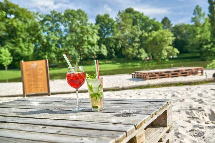 Cocktail genießen in der Strandbar in Wolfenbüttel