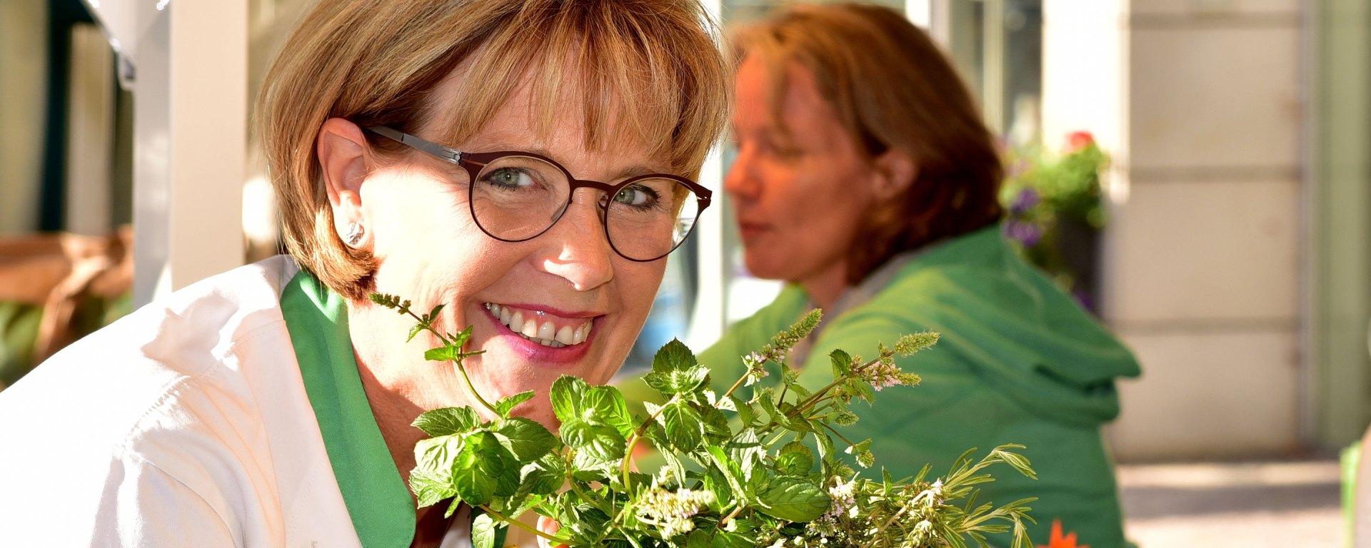 Susanne Röder auf dem Wochenmarkt