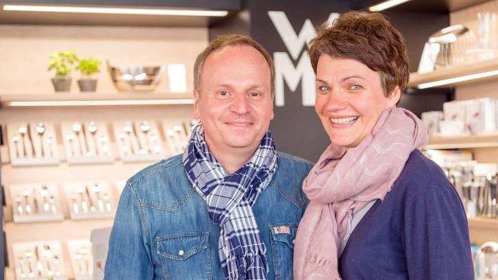 Yvonne und Jens Kalweit vom Haushaltswarengeschäft Messer-Meyer.