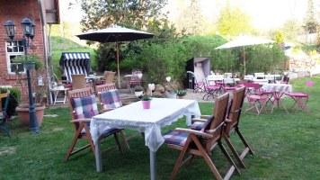 Ein schönes Plätzchen im Garten des Café Zuckerstube