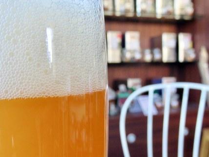 Das Bierglas ist voll.