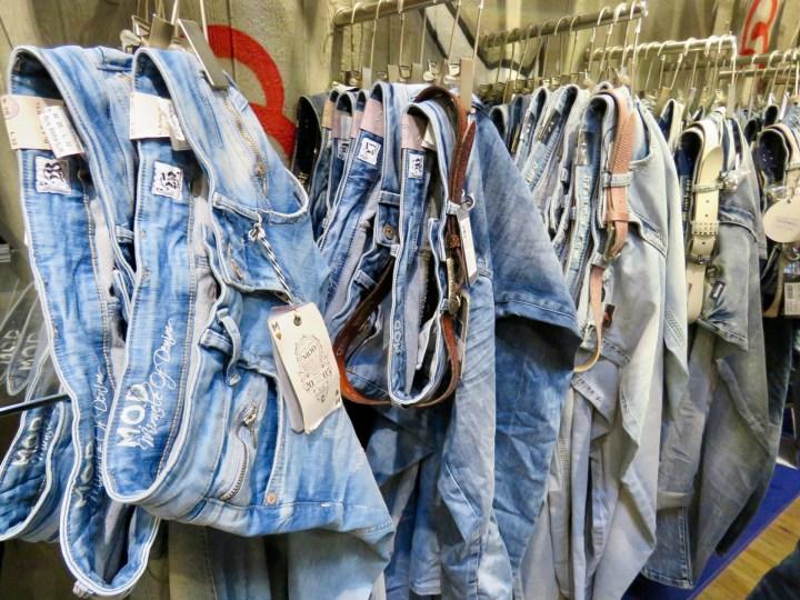Die Anzahl an Jeansmodellen ist in den letzten Jahren gestiegen.