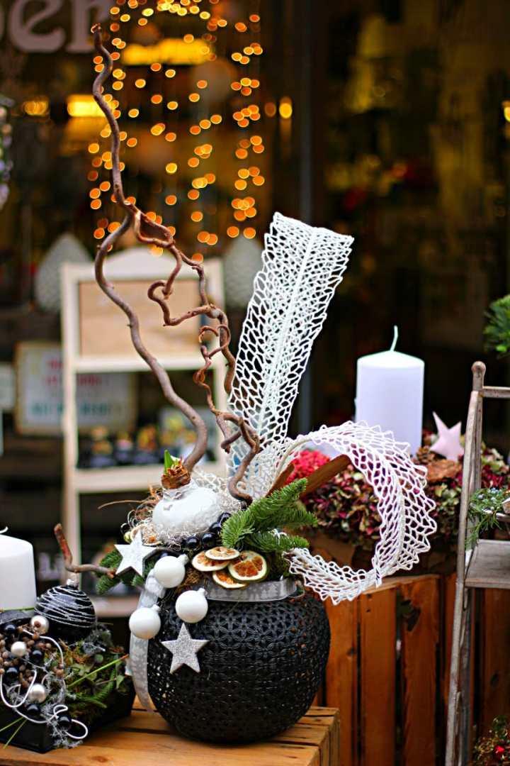 Ein besonderes Adventsgesteck von Blütenzauber.