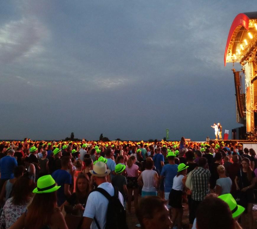 Stars@NDR2 Festival: Menschen vor Bühne
